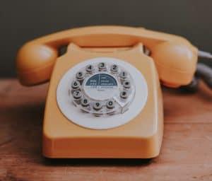 Puhelintreffit Rahakaverin kanssa